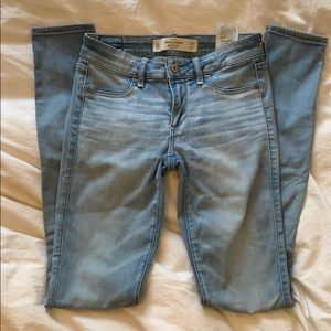 Light-wash Abercrombie & Fitch Jeggings